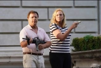 Video Of Rich  White Couple Confronting BLM Protesters w/AR 15 Pointed At Their Heads
